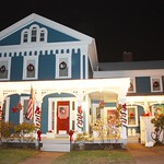 Dwight Loomis home, circa 1860 in Rockville, CT. Christmas Decor without snow (December 2009)
