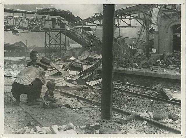 Press Photo 9 新闻老照片-日军轰炸上海北站 1937