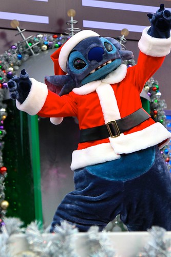 WDW Dec 2009 - A Totally Tomorrowland Christmas!