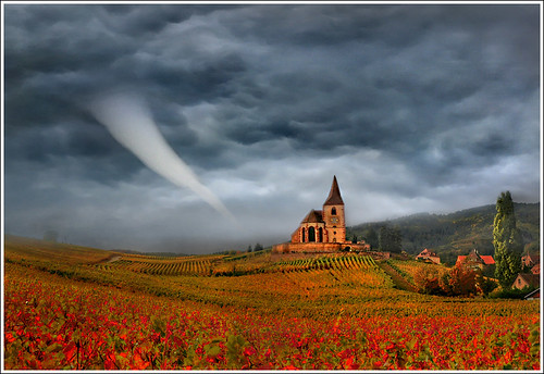 red cloud storm france art church weather illustration clouds photoshop painting season landscape village wind prayer dream peinture dreaming alsace tempest paysage tornado église hdr anotherworld météo terrific peur forceofnature mattepainting tornade ouragan priaux mywinners artofimages bestcapturesaoi