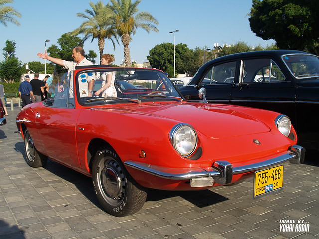 1969 Fiat 850 Spider http://www.flickr.com/photos/yohai90/4343243902/