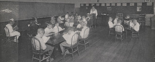 Grandview Grade School Students at Work, 1917