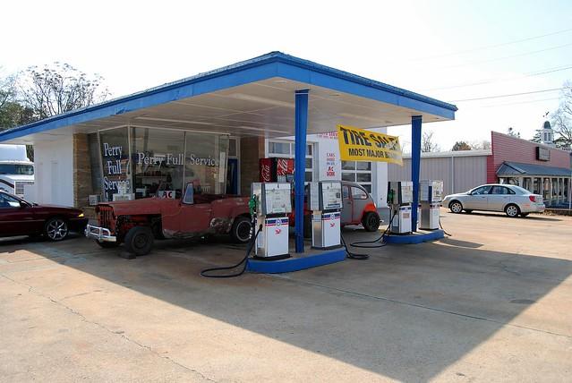 full service gas station flickr photo sharing. Black Bedroom Furniture Sets. Home Design Ideas