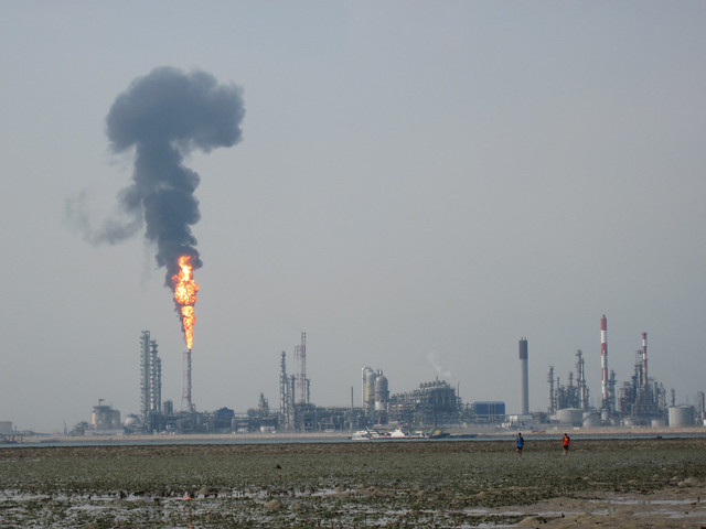 Flaring at Shell refinery on Pulau Bukom