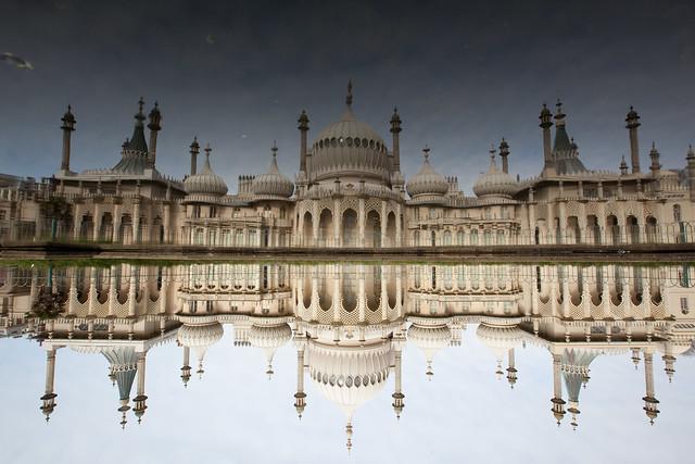 Brighton Royal Pavillion by Flickr user eschipul