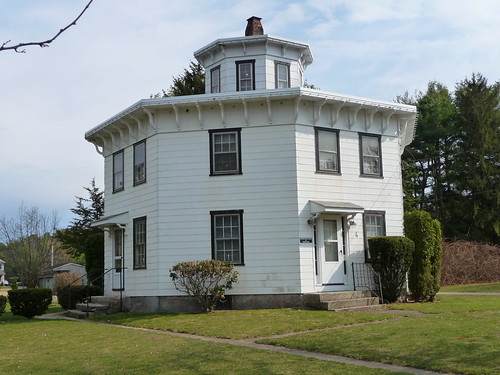 Albert S. Potter Octagon House by Rick Payette