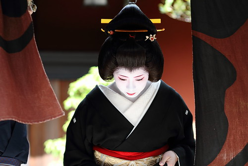 travel / kyoto / geisha / beautiful / japanese / woman / japan / canon 7d 芸妓 絢佳司さん