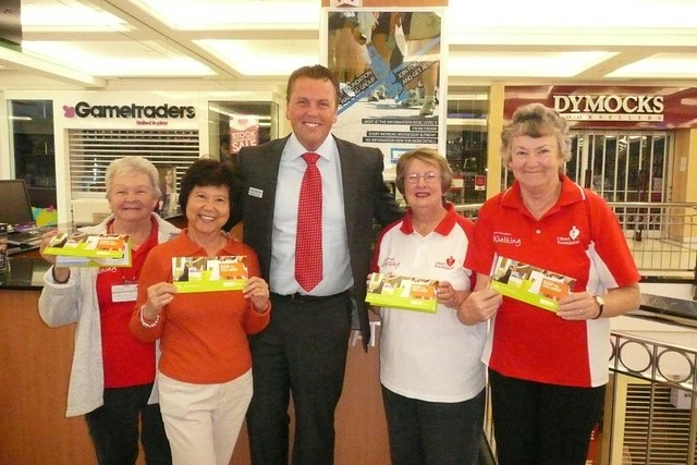 Scott with Heart Foundation walkers Beryl Tinney, Julie Ngo, Barbara Campbell and Jocelyn Dixon