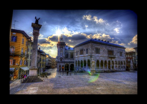 road park city trip travel sky italy cloud tourism beautiful architecture clouds amazing nice nikon perfect italia tour view superb path unique awesome sigma grand tourist journey stunning excellent lovely incredible 1020 venezia hdr breathtaking giulia friuli udine d300 loggiadellionello photomatix piazzadellalibertà videm loggiadisangiovanni torredell'orologio