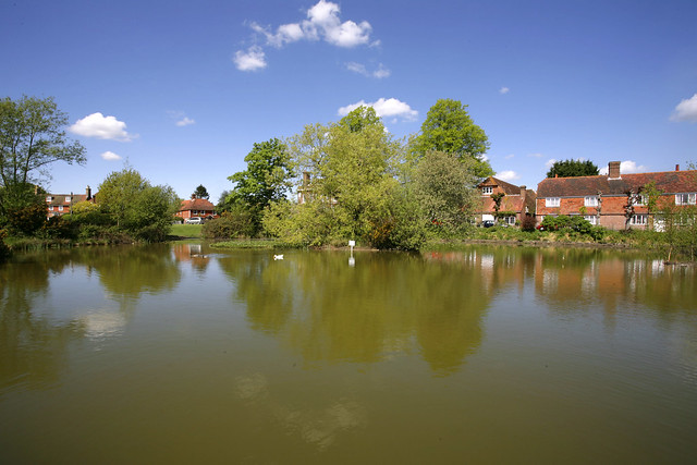 Matfield village pond kent flickr photo sharing for Garden pond kent