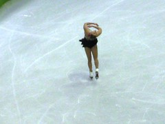 speed skating(0.0), outdoor recreation(0.0), skating(1.0), winter sport(1.0), sports(1.0), recreation(1.0), ice skating(1.0), figure skating(1.0),