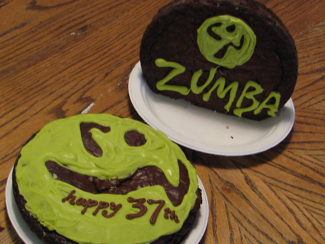 Zumba Birthday Cake http://www.flickr.com/photos/10653197@N07/4482280951/