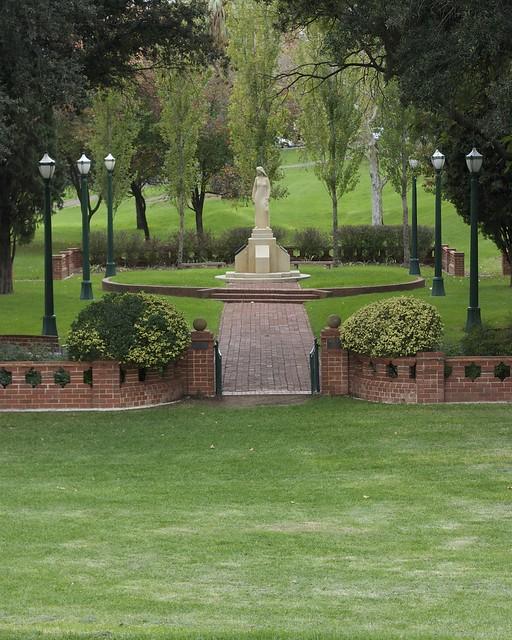 Pioneer women 39 s memorial garden adelaide the pioneer for Landscape gardeners adelaide