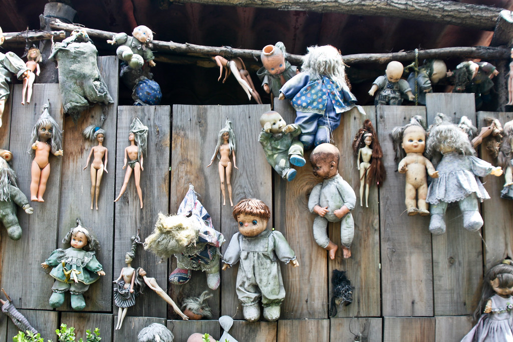 """Island Of The Dolls/Isla de la Muñecas"""
