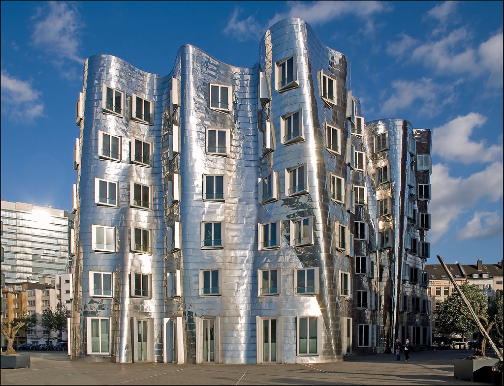 architecture by frank o gehry d sseldorf medienhafen 2. Black Bedroom Furniture Sets. Home Design Ideas