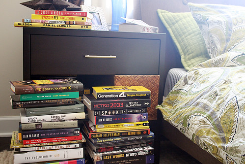 Book storage in the bedroom making it lovely How to store books in a small bedroom