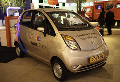 automobile, vehicle, subcompact car, tata nano, city car, land vehicle, hatchback, motor vehicle,