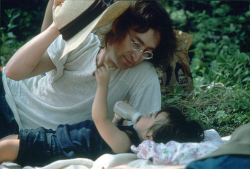 John plays with Sean during the picnic. Japan, summer 1977