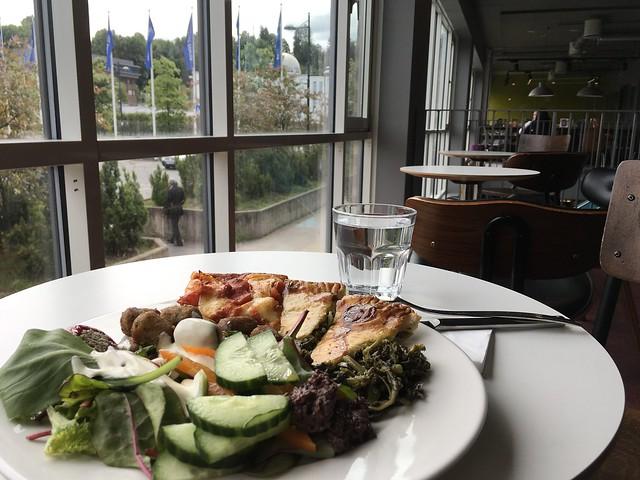 Fubiak kafé: buffet, dagens lunsj