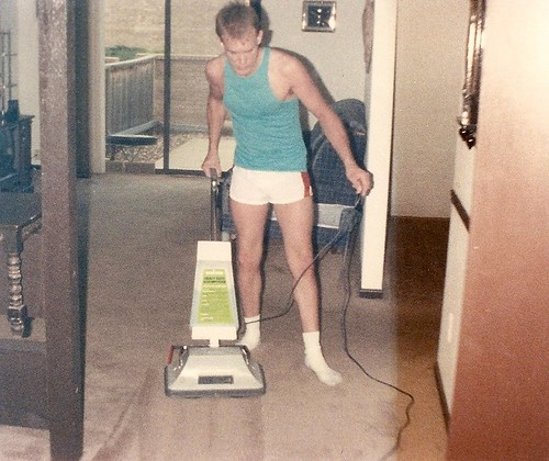 Darrell Cleans the Carpets, 1989