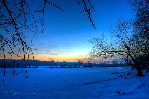 blue snow tree silhouette clouds sunrise river frozen footprints mohawk schenectady niskayuna canonrebelxs canonefs1855mmf3556is canoneos1000d tylermccall