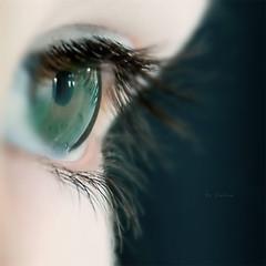 Carlota's eye
