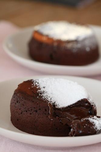 Molten chocolate cake / Šokolaadivulkaanid