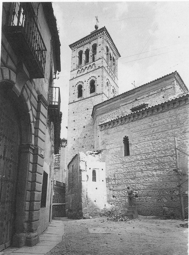 Iglesia de San Román durante la restauración de 1940. Foto Rodríguez