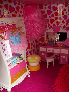 Sneak peak of my dollie house ~ Tempe's room