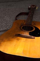 bowed string instrument(0.0), viola(0.0), slide guitar(0.0), electric guitar(0.0), bass guitar(0.0), cuatro(1.0), string instrument(1.0), wood(1.0), ukulele(1.0), acoustic guitar(1.0), guitar(1.0), acoustic-electric guitar(1.0), string instrument(1.0),