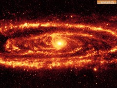 Galaxia-Andromeda-em-Infravermelho