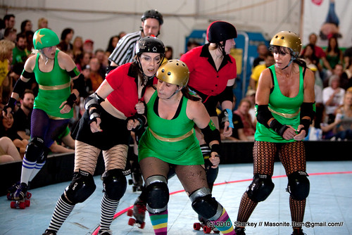 This is me, making a mistake roller derby newbies make