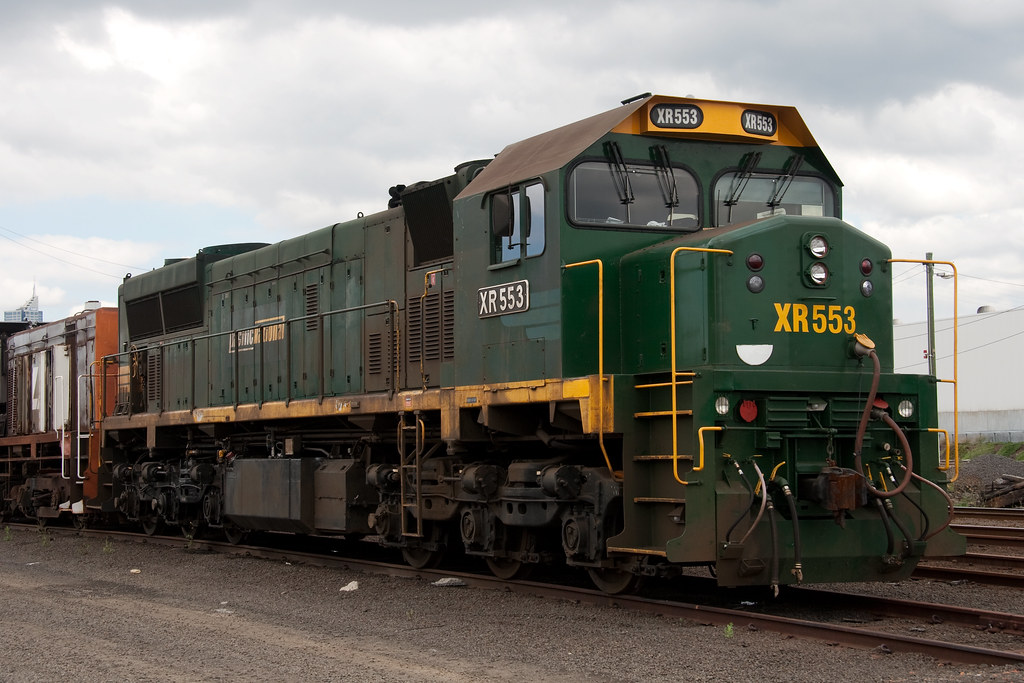 XR553 at Dynon by Trent