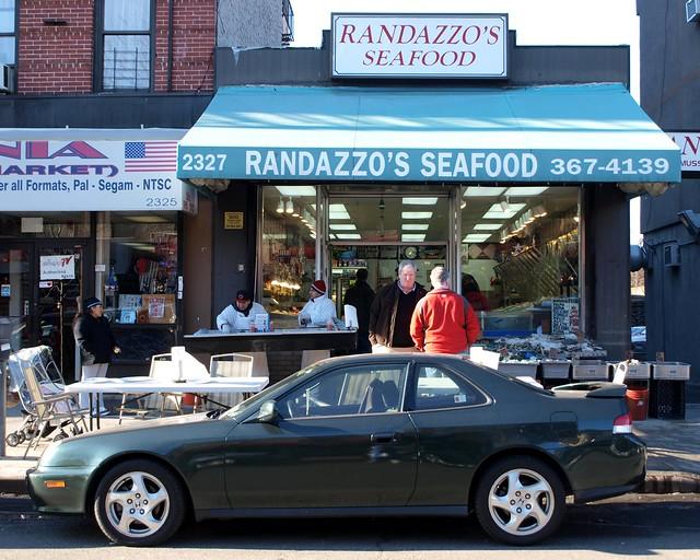 Randazzo 39 s seafood market little italy bronx new york for Fish market bronx