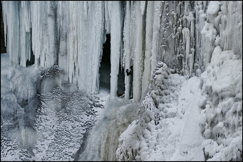 winter cold ice wet water minnesota frozen minneapolis falls waterfalls spike twincities mn icicles dripping icecave minnehahafalls hiawatha tc126