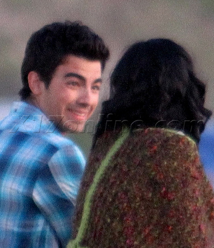 "Jemi- The Making Of ""Make A Wave"" Shoot"