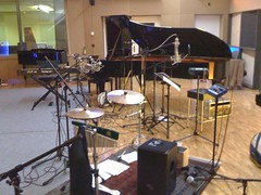 drummer(0.0), drums(0.0), drum(0.0), skin-head percussion instrument(0.0), percussion(1.0), studio(1.0), electronic instrument(1.0),
