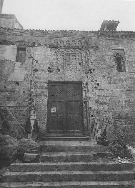 Iglesia de Santa Leocadia durante la restauración de mediados del siglo XX