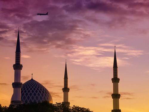 morning architecture sunrise lumix dawn islam mosque panasonic malaysia masjid suria pagi shahalam sultansalahuddinabdulazizshah fz28 ishafizan
