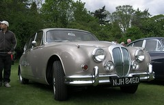 executive car(0.0), bentley s2(0.0), jaguar xk140(0.0), bentley s1(0.0), jaguar mark ix(0.0), rolls-royce silver cloud(0.0), jaguar xk150(0.0), convertible(0.0), sports car(0.0), automobile(1.0), daimler 250(1.0), jaguar xk120(1.0), jaguar mark 2(1.0), vehicle(1.0), automotive design(1.0), jaguar mark 1(1.0), mitsuoka viewt(1.0), antique car(1.0), classic car(1.0), vintage car(1.0), land vehicle(1.0), luxury vehicle(1.0), jaguar s-type(1.0),