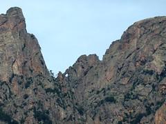 Montée vers l'aiguille 761 : le Trou de la Bombe (Tafonu di u Cumpuleddu) sous un angle inhabituel avec son ravin remonté le 30/08/2012