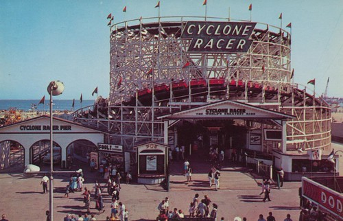 Nu-Pike's Cyclone Racer - Long Beach, California