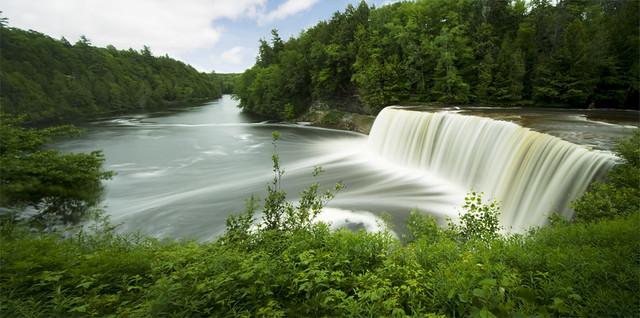 22 Beautiful Waterfalls Around The World