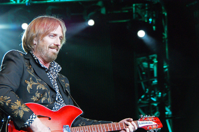 Does Tom Petty vape?