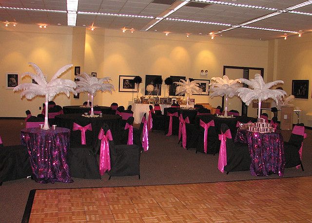 Add some elegance to any wedding reception using ostrich feather table