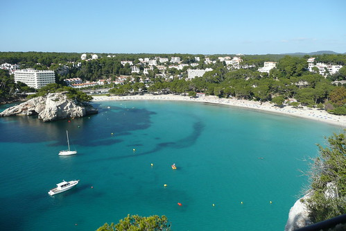 Turquoise sea, white sands. Menorca picture by Flickr user Paul Stephenson