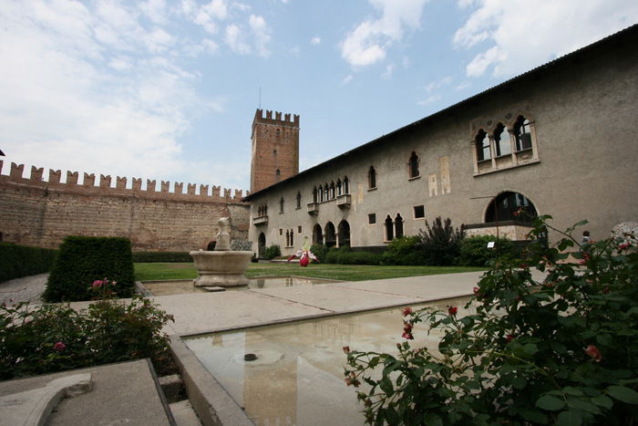 Carlo scarpa museo de castelvecchio for Carlo scarpa biografia