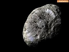 Hiperion-a-Lua-Esponja-de-Saturno