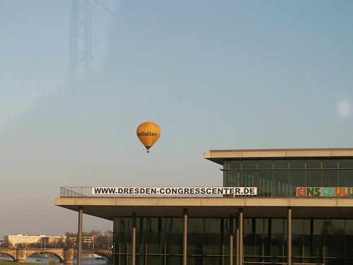 Im Ballon hauptsächlich eine Luftreise von fernen Welten und Vögeln die erwachen bis nach Dresden 212