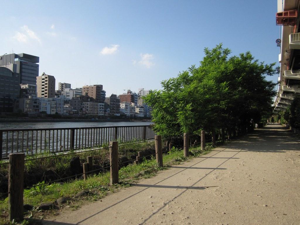 Sumida-Gawa Terrace